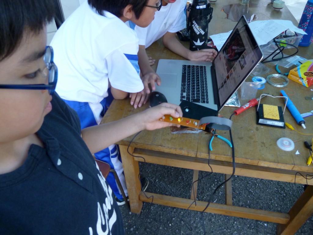 お天気センサーは神山電子工作クラブのみんなに組み立ててもらった。